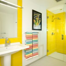 Способы раскладки плитки в ванной в теории и на практике