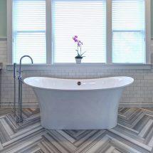 Способы раскладки плитки в ванной на полу