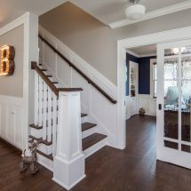 Как сделать лестницу в доме удобной и красивой